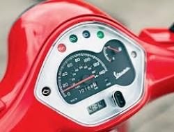 Vespa Piaggio VESPA GTS 150 - RED