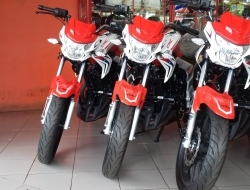 CMC SK200 Red