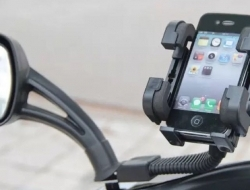 Universal Phone Holder .