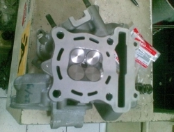 NEW CYLINDER HEAD + BIG VALVE FOR LC135