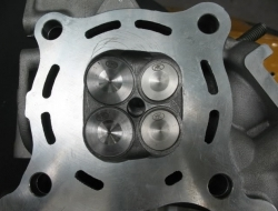 NEW CYLINDER HEAD + VALVE TK FOR LC135