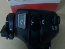 HANDLE SWITCH L/H YAMAHA LC135 SPARE PARTS