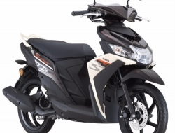 Rm 399 scooter ego solariz new yamaha (Black)
