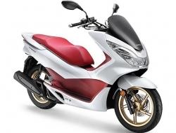Honda PCX150 (White)