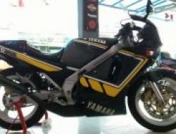 1995 Yamaha TZR250 1KT
