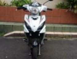 2012 Yamaha lc135 (White)