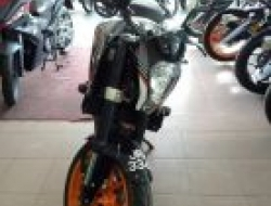 2016 KTM DUKE 250 second tip top