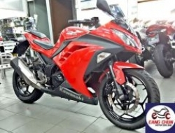 2013 2nd hand - Kawasaki Ninja 250 - Red Color