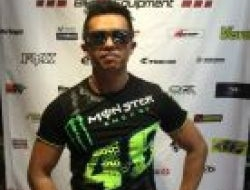 Vr46 monster energy gg1.0 official 2017 Size XL
