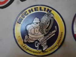 "Vintage Tin Sign ""Michelin"" Noisy Neighbors"