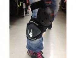 BrandNew Komine SK-652 Knee Protector with Sliders
