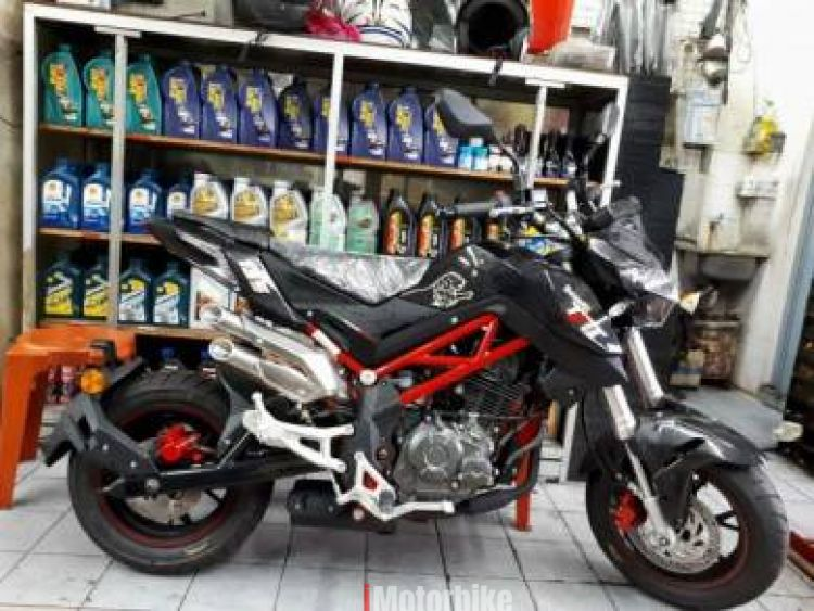 2018 Benelli TNT 135, RM7,200 - Black Benelli, New Benelli Motorcycles,  Benelli Pontian | imotorbike my