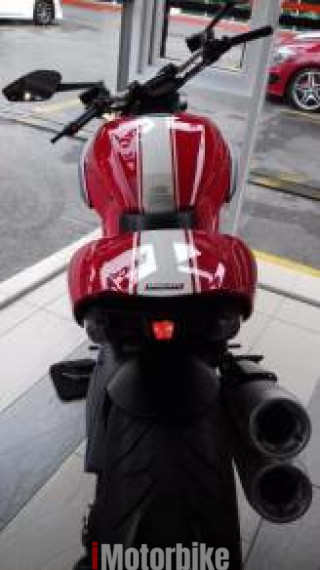 2013 Ducati Diavel Stripe