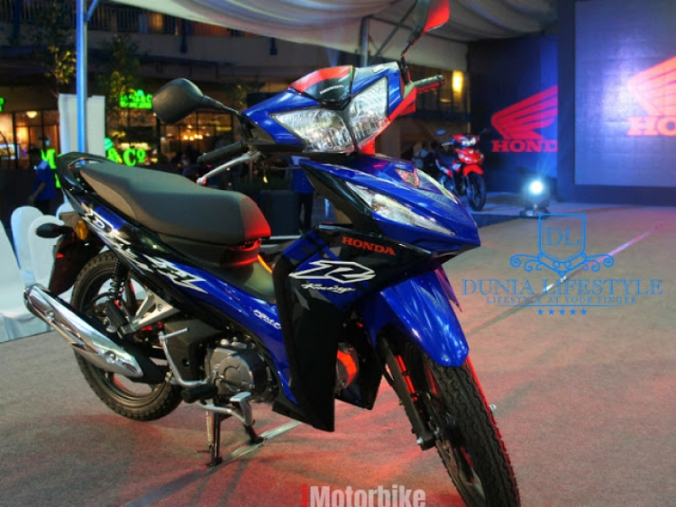 17 Honda wave dash fuel injection - whatapps apply (Blue)