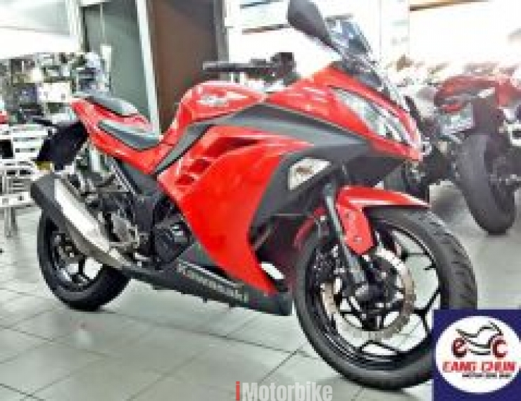 2013 2nd hand - Ninja 250 Red Color Kawasaki