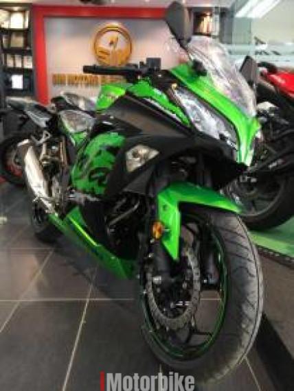 2018 Kawasaki Ninja 250SE (Green Edition)- Special Gift