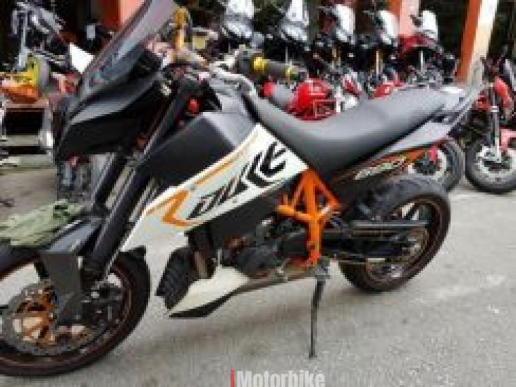2011 Ktm duke 690 r MT07