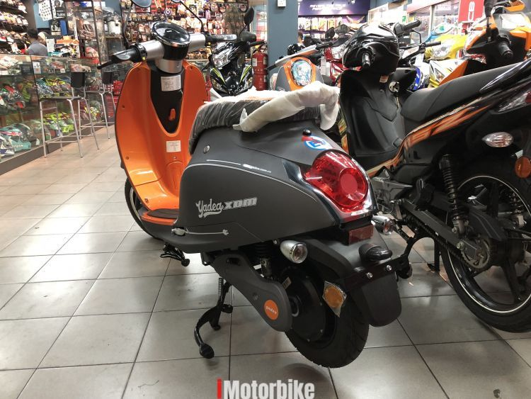 /2017 Cover Fleece Waterproof Motorbike Scooter Size L Universal Cover for LML Star 125/4T Automatic 2012/