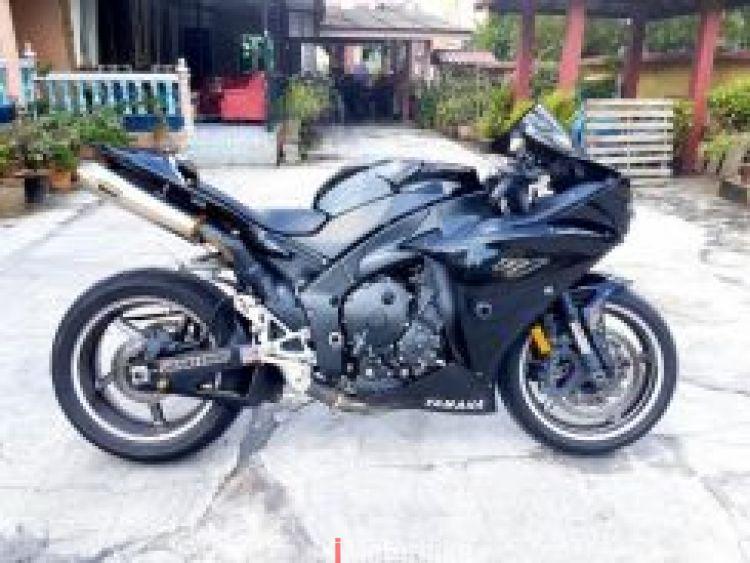 2010 Yamaha R1 Loan can be arrange