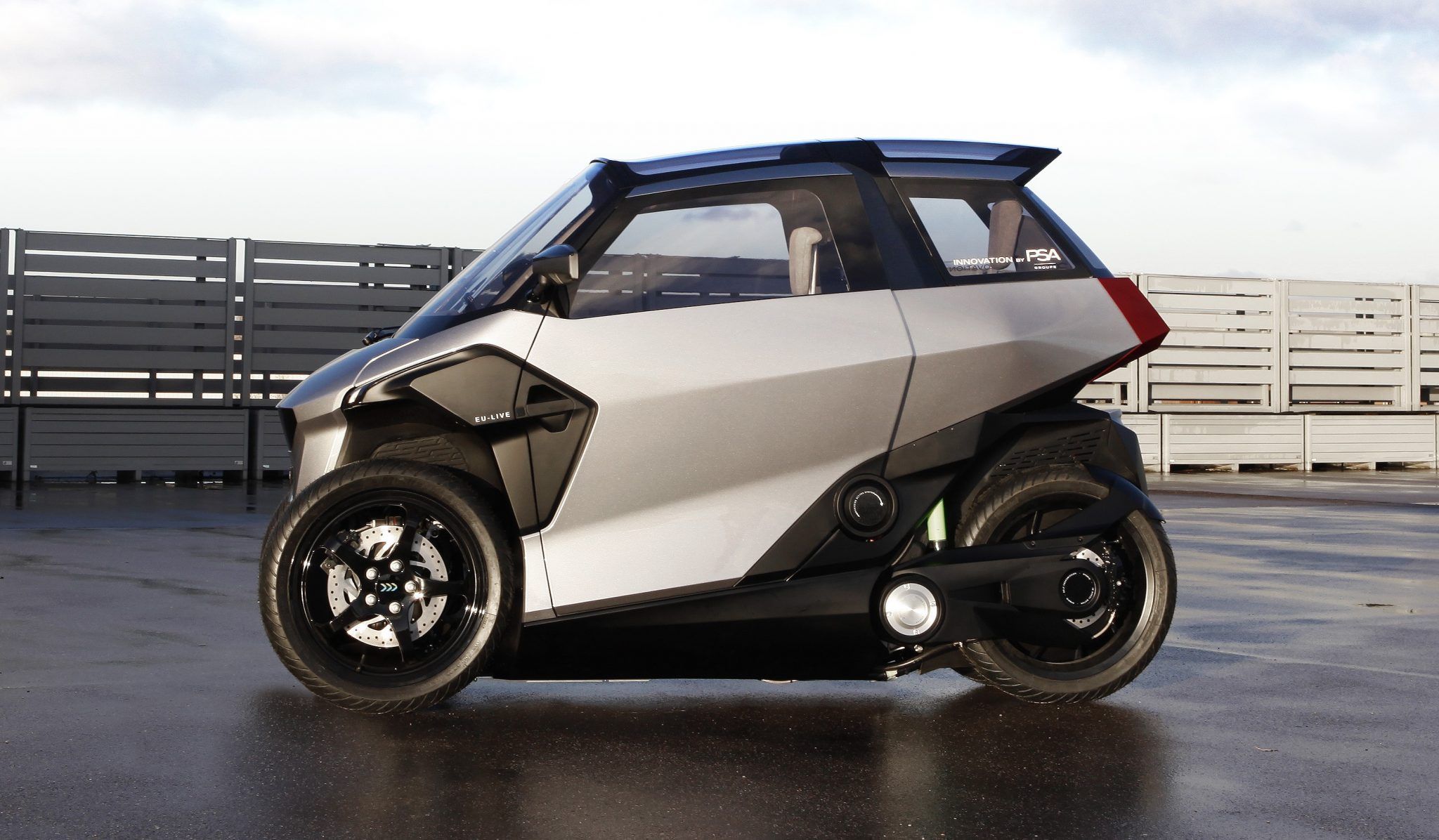 Peugeot presents 4-wheeled, PHEV scooter - as easy to ride