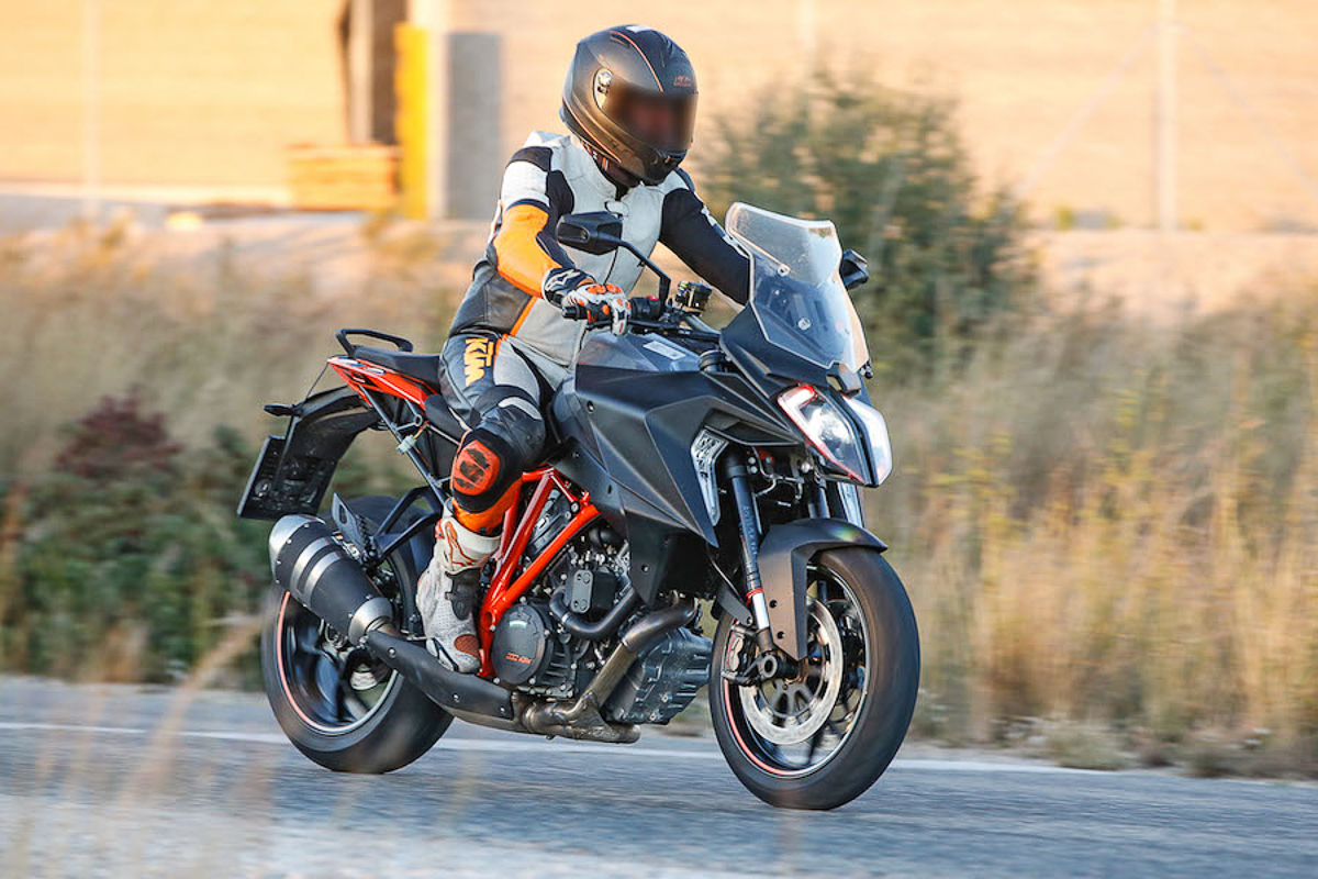 new ktm 1290 super duke gt expected early 2019. Black Bedroom Furniture Sets. Home Design Ideas