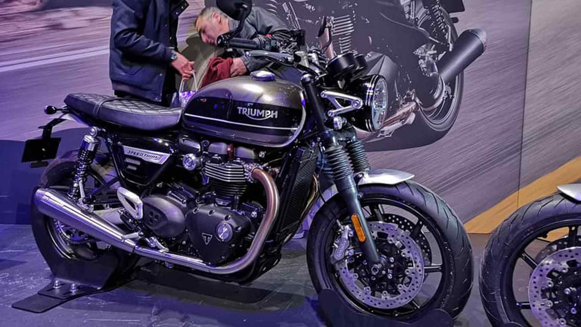 triumph speed twin images leaked from dealers meeting. Black Bedroom Furniture Sets. Home Design Ideas
